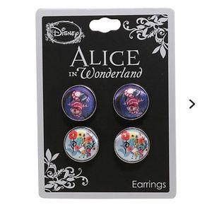 NWT Alice in Wonderland button studs